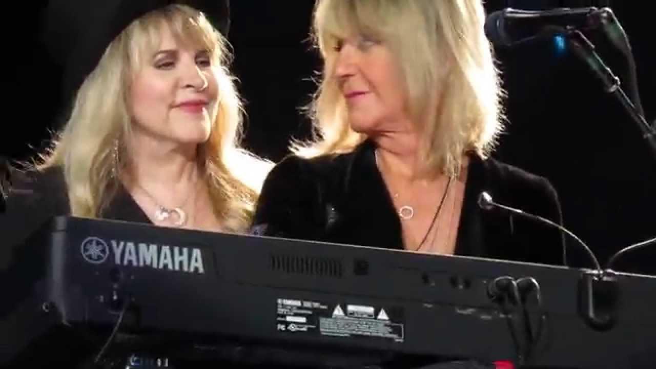 Fleetwood Mac - Christine McVie and Stevie Nicks - YouTube