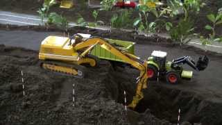 FANTASTIC! RC Trucks, Excavators and Tractors at work. Check this out!