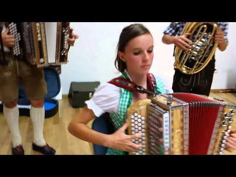 Musica e canto tipico Tirolese Oillalaliliu