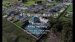 45 Willow Av