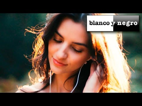Blanco Y Negro Summer Deep House Mix (Official Video)