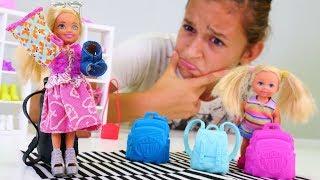 Barbie oyunu. Chelsea okul için yeni kıyafetler alıyor Kız çocuk videoları