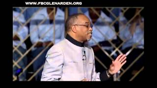 """Dancing In The Streets"" Pastor John K. Jenkins Sr. w/ Praise Break"