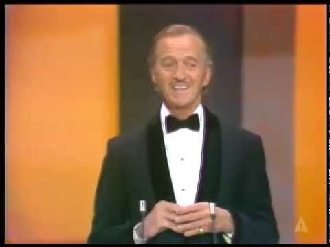 The Streaker: 1974 Oscars from YouTube · Duration:  3 minutes 3 seconds
