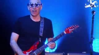 joe satriani 60th birthday steve vai big bad moon guitare en scene festival 2016