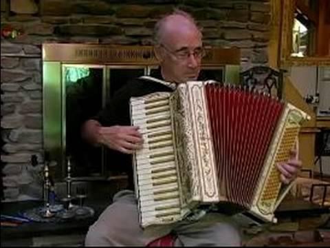 Playing Accordion Music : Shabbos Accordion Music