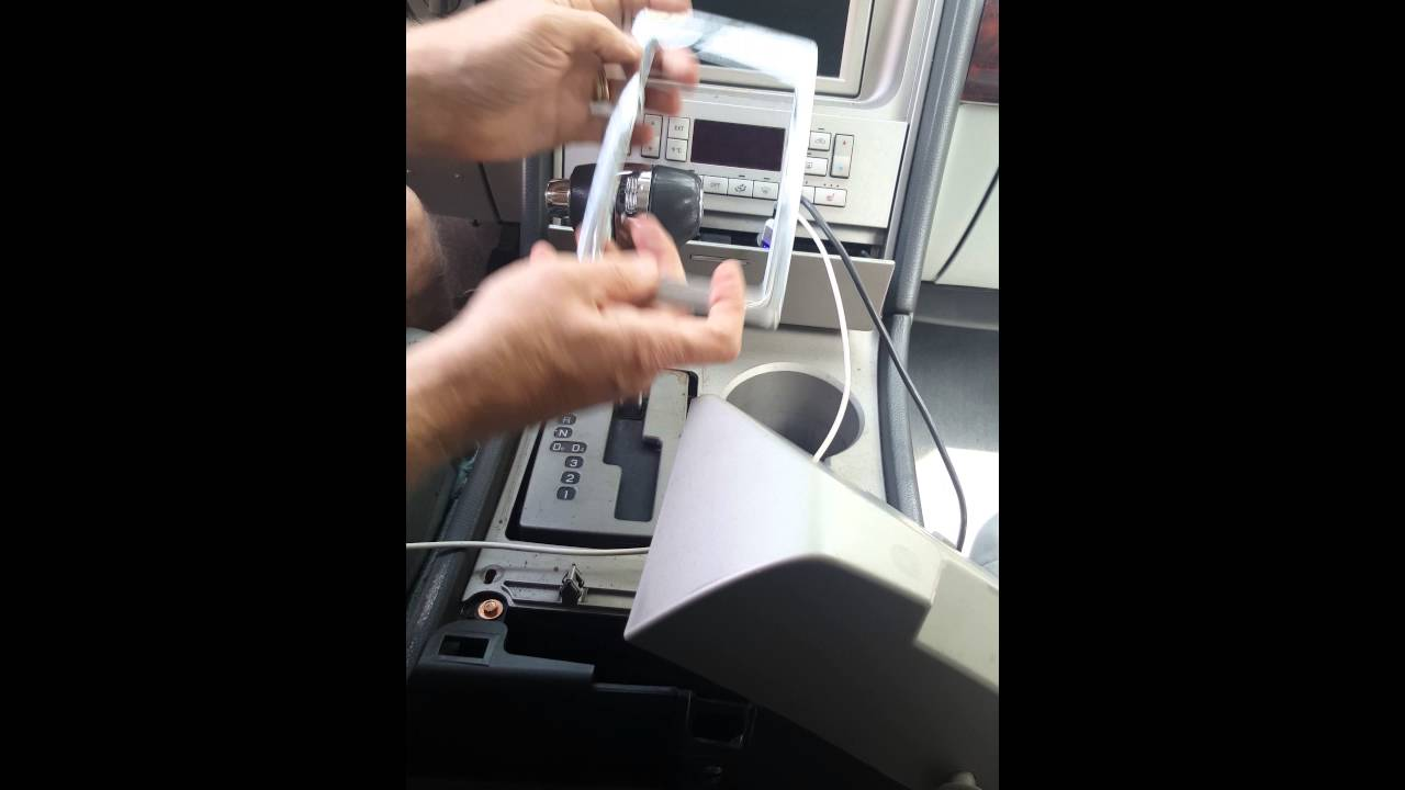 2006 lincoln navigator radio wiring [ 1280 x 720 Pixel ]
