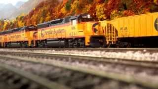 Athearn GP 40-2 chessie system. Creeping within yard limits.