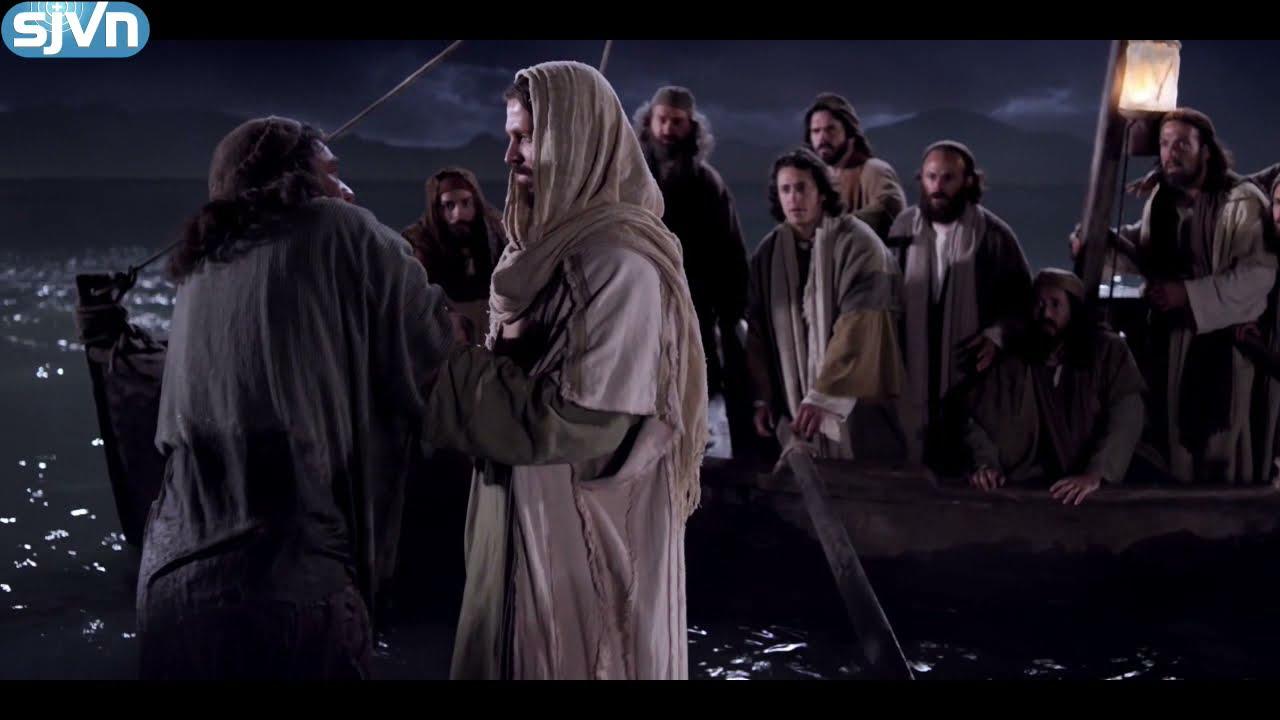 Chúa Giêsu đi trên mặt nước
