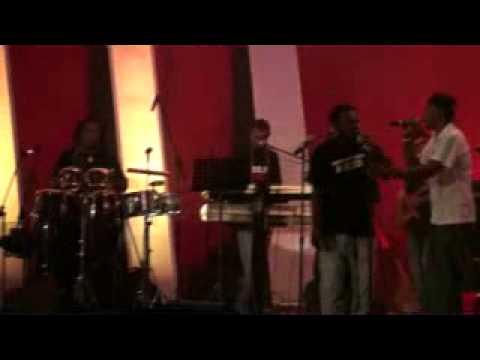 Solid Crew, Chris Sione, Nathan Nakikus live 2011.flv