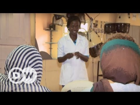 'Mobile' nurse helps returnees to Ethiopia | DW English