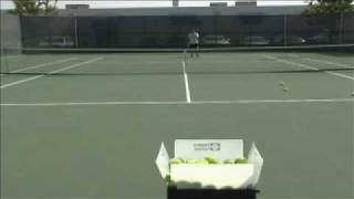 Tennis ball machine Plus Player by Sports Tutor in action