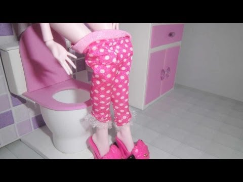 how-to-make-a-bathroom-(toilet)-for-doll-monster-high,-barbie,-etc