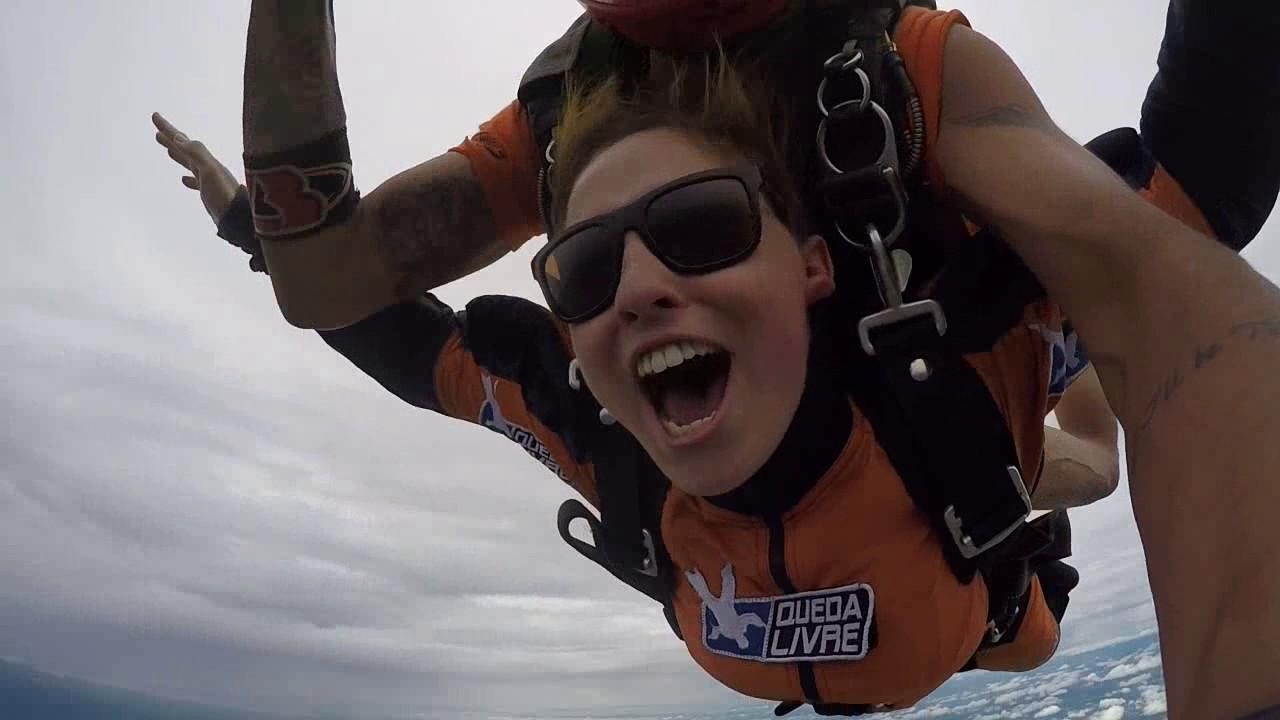 Salto de Paraquedas da Jessica na Queda Livre Paraquedismo 25 01 2017