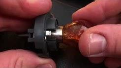 PKW Bremslicht wechseln Blinker ersetzen Autolicht austauschen Birne erneuern MINI Cooper Cabriolet