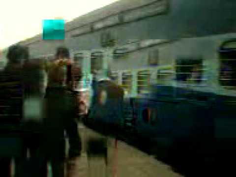 HOWRAH GAYA express departuring from NAWADA STATION