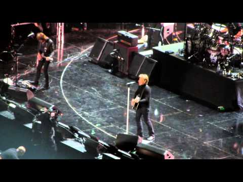 Bon Jovi - Wanted Dead or Alive (12-12-12: The Concert for Sandy Relief, New York, NY, USA)