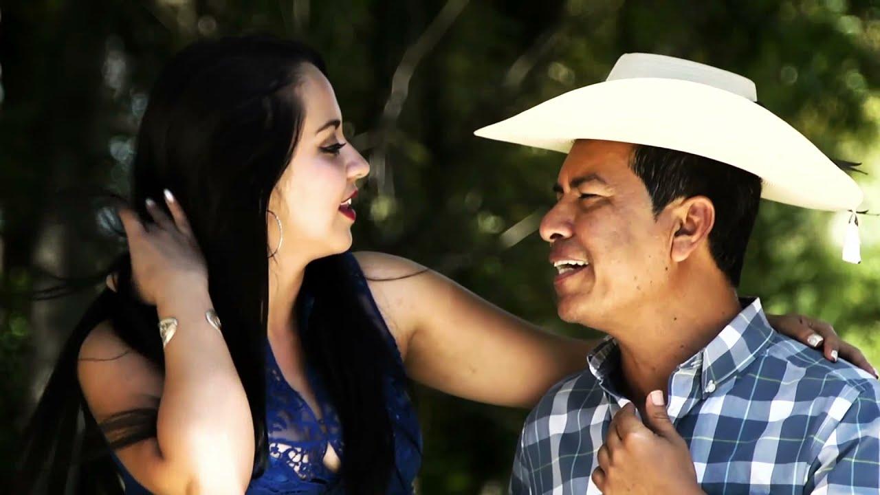 Laurita Garza - Efraín Toledo y Sus Calentanos