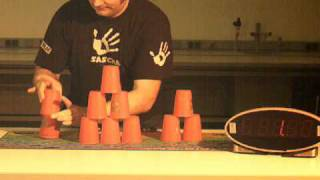 Cup Stacking - Super-Slow-Motion - 250 fps