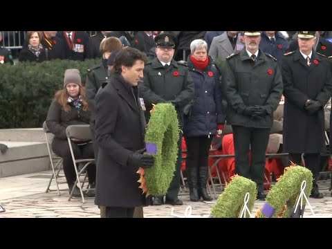 Justin Trudeau lays wreath at National War Memorial during Remembrance Day ceremony