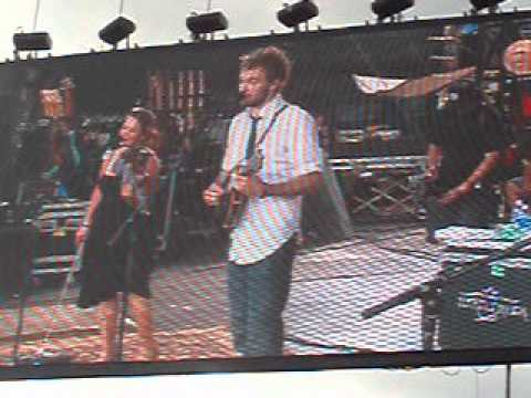 Nickel Creek - Toxic (Brittney Spears cover) at ACL '06