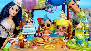 Familia LOL Punk Boi Fiesta de Cumpleaños en el Parque de Agua con Piscina
