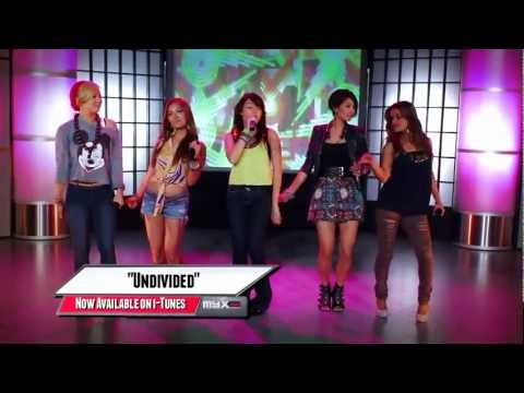 Blush - Undivided (Live @ MYX-Rated 17/11/2011)