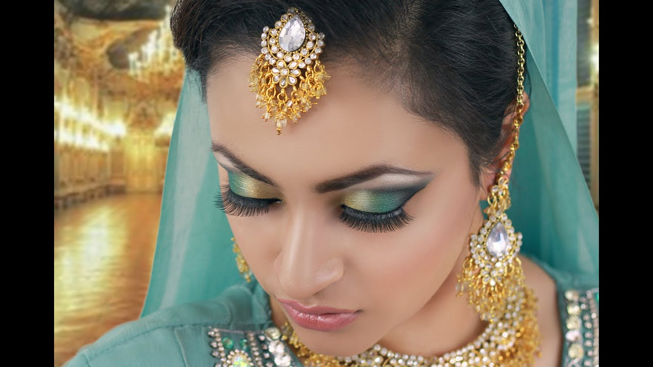 Jade And Black Smokey Eye Makeup
