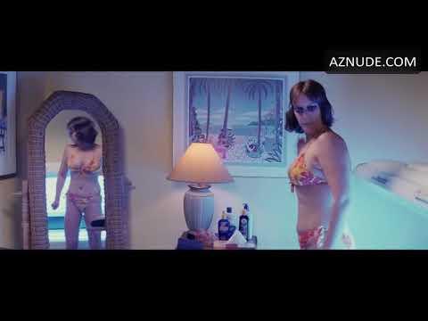 Christmas With The Kranks Tanning Scene.Jamie Lee Curtis Hot Christmas With The Cranks Youtube