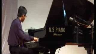 Chin Yi Jun (18 ) plays Carousel Waltz( Rodger/Hough)