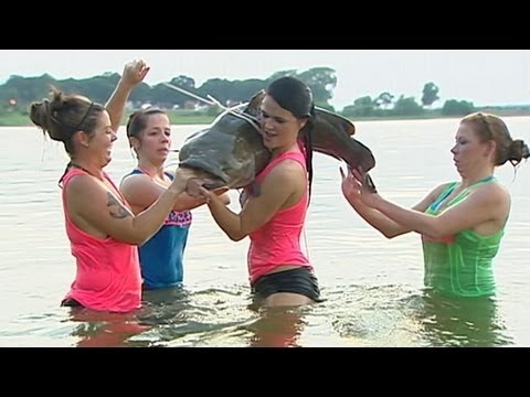 'Bare Knuckle Babes' are world's craziest catfish fishermen