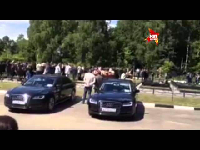 Поклонники проводили Жанну Фриске нескончаемыми аплодисментами