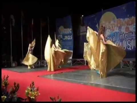 Festival di Bande Internazionale Giulianova (teramo) -Le Sirene del Nilo danza del ventre