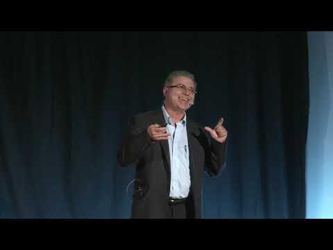 TEDx Talks: El Sistema Financiero y el código sísmico | Gerardo Corrales | TEDxPuraVidaSalon