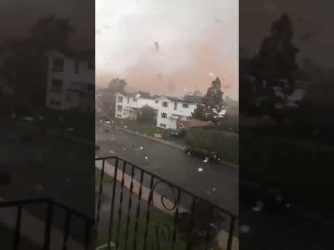Meteo: OTTAWA, tornado devasta la città. Immagini impressionanti