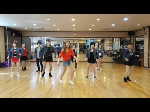 Whistle While You Work It Line Dance (Intermediate)
