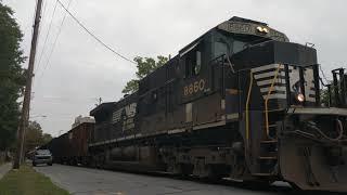Norfolk Southern E16 running down Hancock Street in New Bern, NC