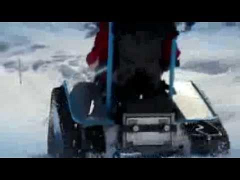 Un fauteuil roulant tout terrain roule 35 km h youtube - Fauteuil roulant chenille ...
