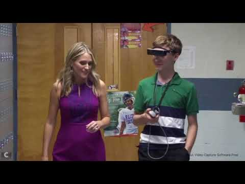 Electronic glasses give sight to legally blind teen