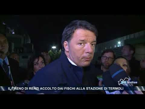 Il treno di Renzi accolto dai fischi alla stazione di Termoli
