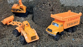 SPEED WHEELS STORY WITH MIGHTY MACHINES DUMP TRUCK EXCAVATOR BULLDOZER STEAM ROLLER RUBBLE MASHA