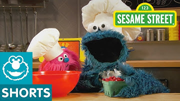 Sesame Street: Cranberry Muffins | Cookie Monster