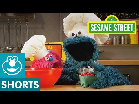 Sesame Street: Cranberry Muffins | Cookie Monster's Foodie Truck