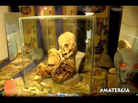 EL MUSEO DEL EXTRATERRESTRE WAIKY EN ANDAHUAILLILLAS CUSCO / VISITA GUIADA CON RENATO DAVILA
