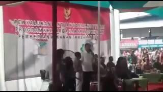 Ngakak , Nyong kencot : Pak Jokowi Belajar Bahasa Ngapak