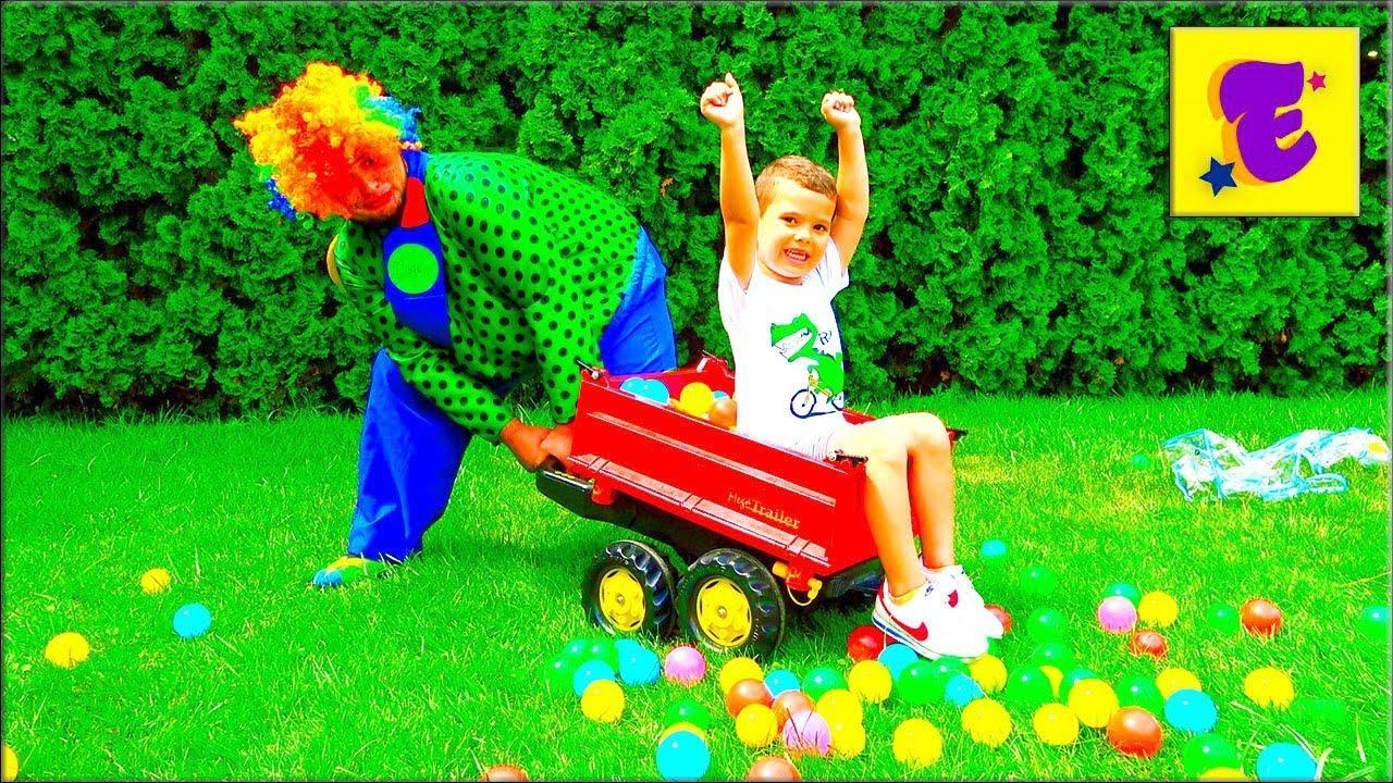 Егорка и КАРЛОС Насыпали Цветные ШАРИКИ  На ГАЗОН !!!