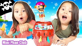 FAMILY FUN PLAYING POP UP PIRATE | FUN GAME FOR KIDS | Mini Phan Club