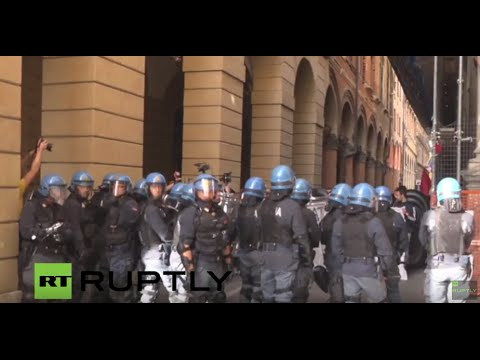 LIVE: Lega Nord holds electoral rally in Bologna, counter-demos expected