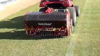 Çim havalandırma makinesi