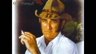 Watch Don Williams Looking Back video